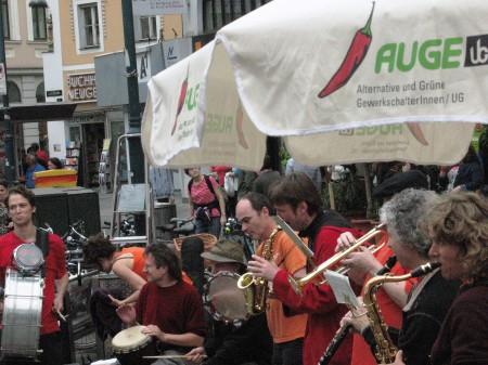 Gegenton-Orchester bei der Aktion am Taubenmarkt